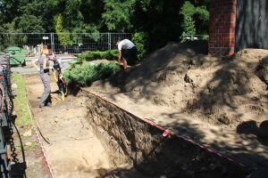 """Przerwane prace przy """"dołach śmierci"""". Brak przepisów, by wznowić ekshumacje"""