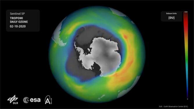 """Dziura ozonowa gwałtownie się powiększyła. """"Już obejmuje większość Antarktydy"""""""