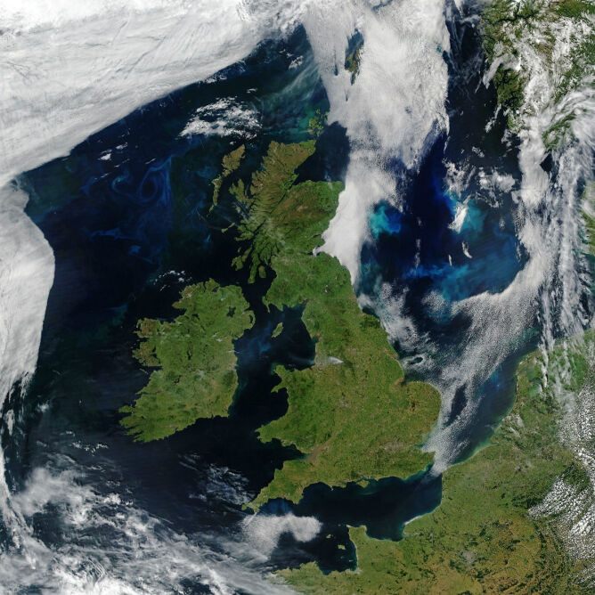Wielka Brytania na zdjęciu satelitarnym (NASA Earth Observatory images/Joshua Steven)